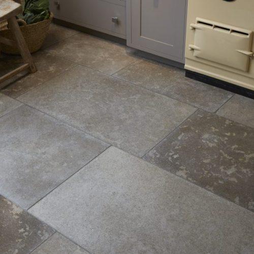 Corfe Limestone Tumbled-7606