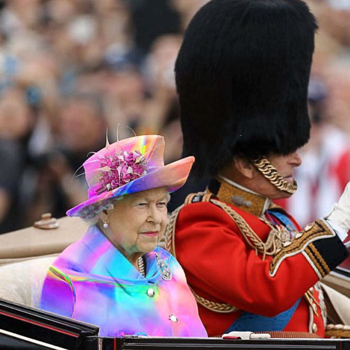 queen-elizabeth-green-screen-outfit-funny-photoshop-battle-5-575e9ae12e06f__700