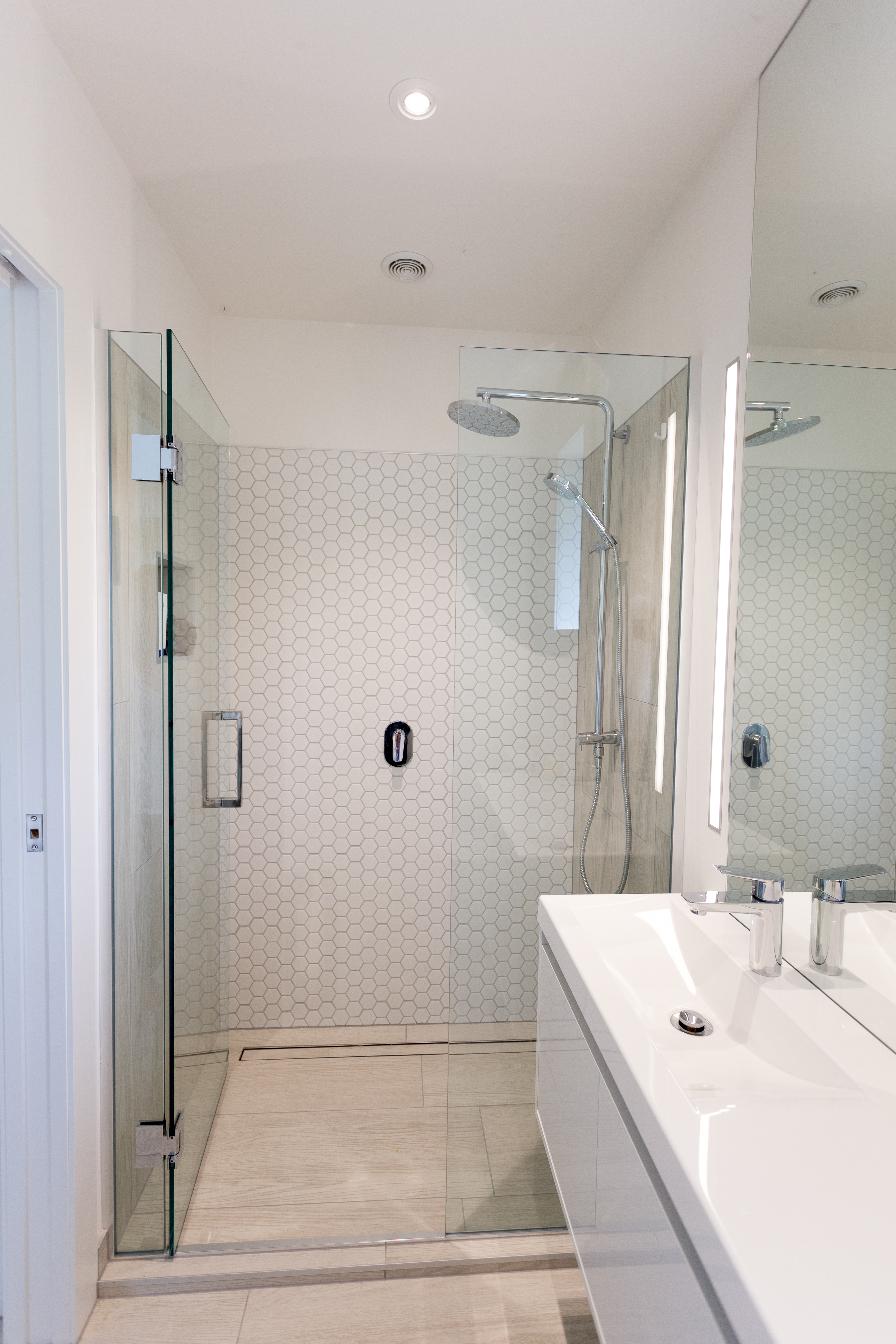 what size tile should i use in a small