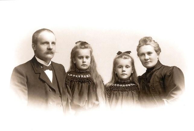 Abraham Eldal,Amalie og Frisa, Anne Margrethe