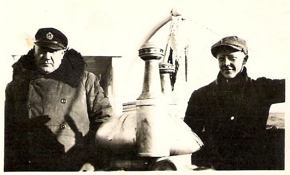 Bestefar til høyre