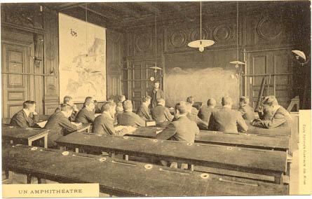 Klasserom på Ecole superieure des Mines i Paris i forrige århundre