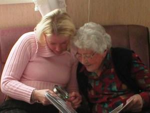 Her intervjuer jeg kona til mormors fetter. Fikk bl.a. vite hvordan mine oldeforeldre møttes.