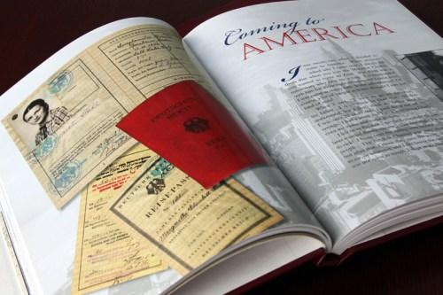 En slektsbok med dokumenter og historier