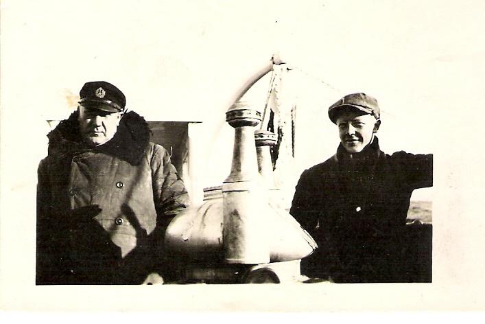 Min bestefar Nordahl til venstre