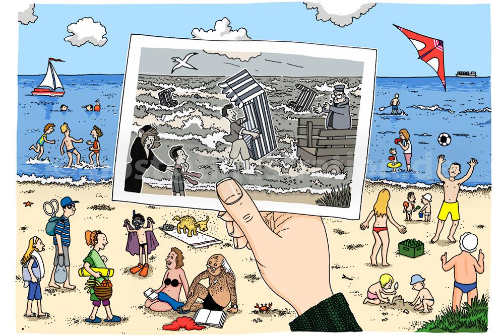 Im dritten Diabild seht ihr ein gezeichnetes Wimmelbild einer ausgelassenen Strandszene mit vergnügten Badegästen. In der Bildmitte hält die Hand des Betrachters ein gezeichnetes Schwarz-Weiss-Foto fest. Auf ihm sieht man im überlagerten Bildausschnitt wie bei aufziehendem Unwetter ein Mann barfuß durch das tosende Meer läuft und dabei hilft, die Strandkörber in einen Wagen zu schleppen. Am Foto-Bildrand steht ein kleiner Junge in sicherer Entfernung mit seiner Mutter am Strand und sieht staunend der Rettungsaktion zu.
