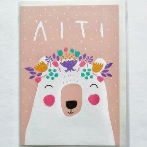 Kaksiosainen äitienpäiväkortti, jossa karhu, suunnittelija Mira Mallius