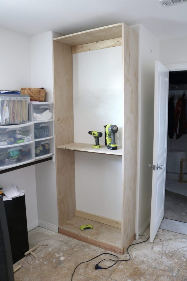 Building a DIY custom closet system in my walk-in master closet!