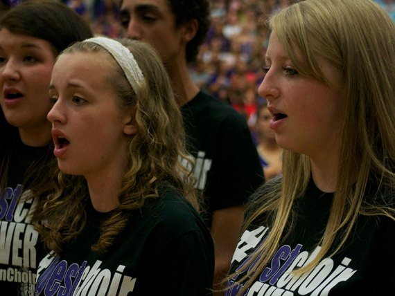 THCS Choir students sing during a Sept. 2014 pep rally. (Photo by The Creek Yearbook photographer Robert Samudio)