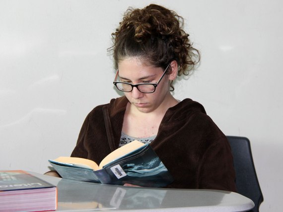 A Timber Creek student reads during class. (Photo by The Creek Yearbook photographer Zoe Fleming.)