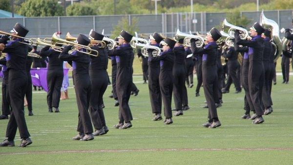 j-haynes-behind-band-001