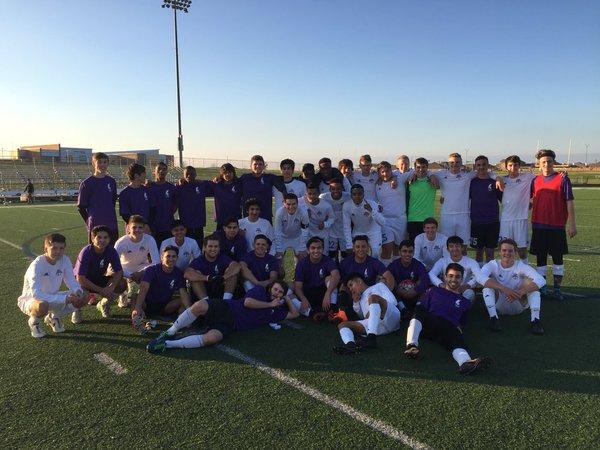 varsity alumni soccer team soccer 2016