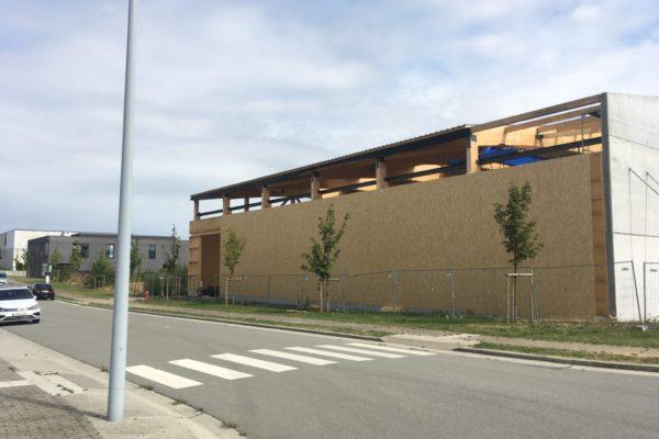 Habillage façade hall industriel osb