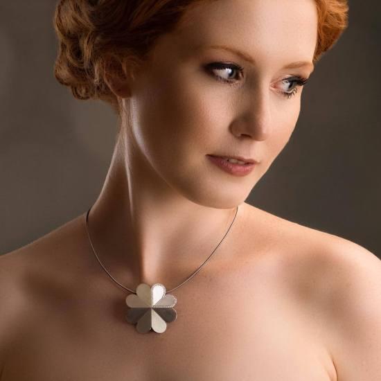 Luxuriöser Anhänger mit Diamanten aus der Kollektion Herzblatt