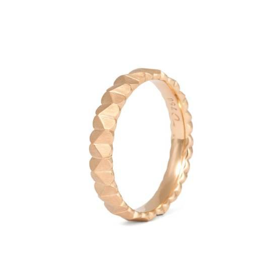 Schmaler Roségold-Ring aus der Kollektion Herzblatt