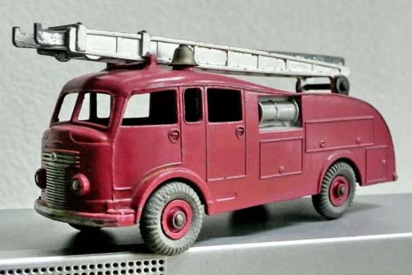 Save Old Toys - Fire Truck