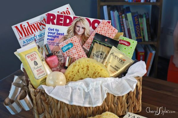 Best Homemade Mother's Day Gifts - Spa Basket