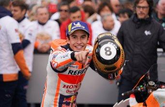 Marc Márquez en el parque cerrado del GP de Valencia