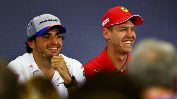 Sainz junto Vettel, pasado y futuro de Ferrari/Fuente @F1.