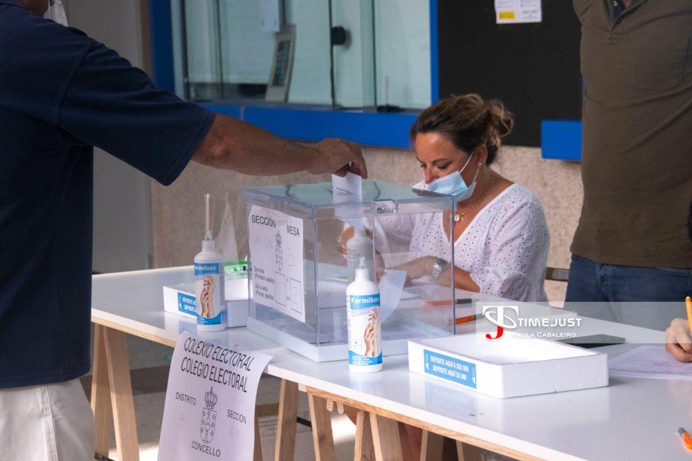 Colegio electoral del Concello de Vigo. // Paula Cabaleiro