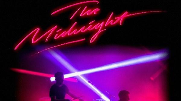 """El dúo estadounidense formado por Tim McEwan y Tyler Lyle, pasarán por Barcelona el 8 de marzo del próximo año. La 2 de Apolo presentará su último álbum """"Monsters"""". The Midnight The Midnight en concierto (Fuente: CrazyMinds.es)"""