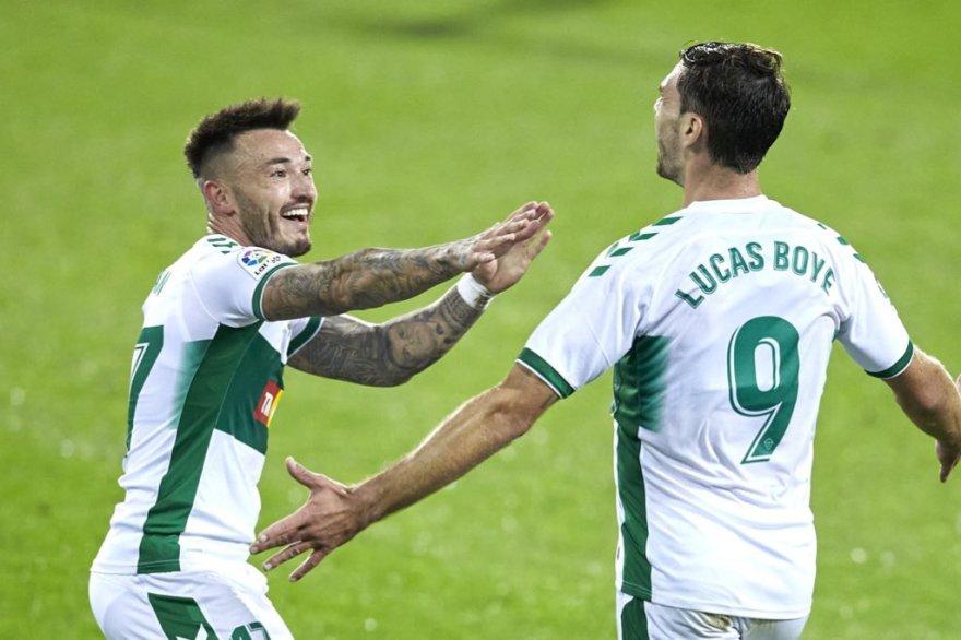 Boyé celebra el gol del Elche ante el Eibar