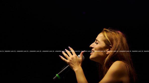 Belén Aguilera cantando en Arts d'Estiu