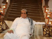 Kader Khan's Demise – Bollywood stars, shower condolences