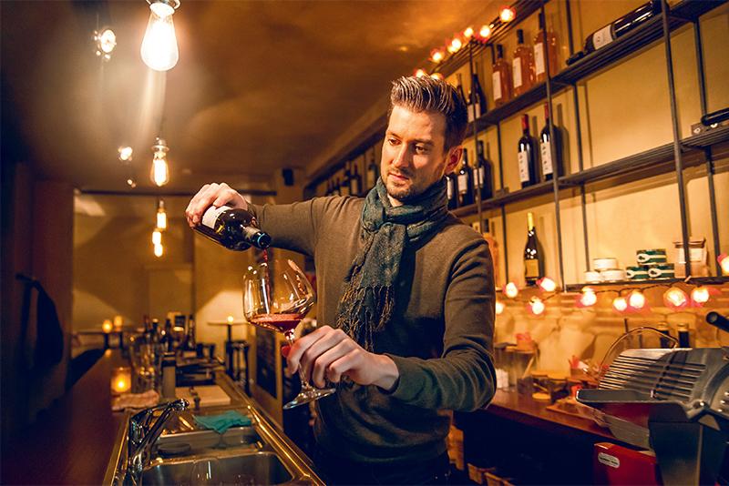 wijn drinken in madrid - time to momo