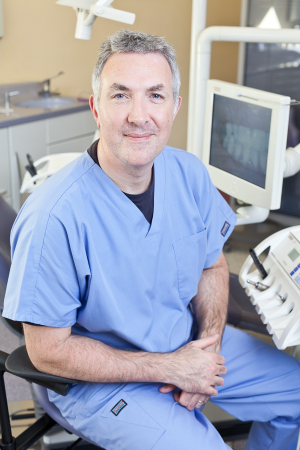 18/10/2011 Dental practice in action, Surgery, portraits, details of Aquae Sulis specialist dental practice in Bath. Dr Ian Bellamy, Dentist.