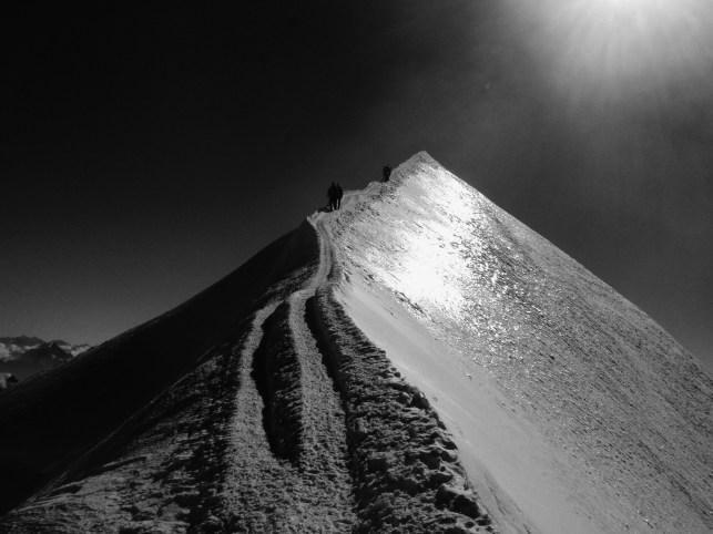 Final narrow ridge towards the summit of France