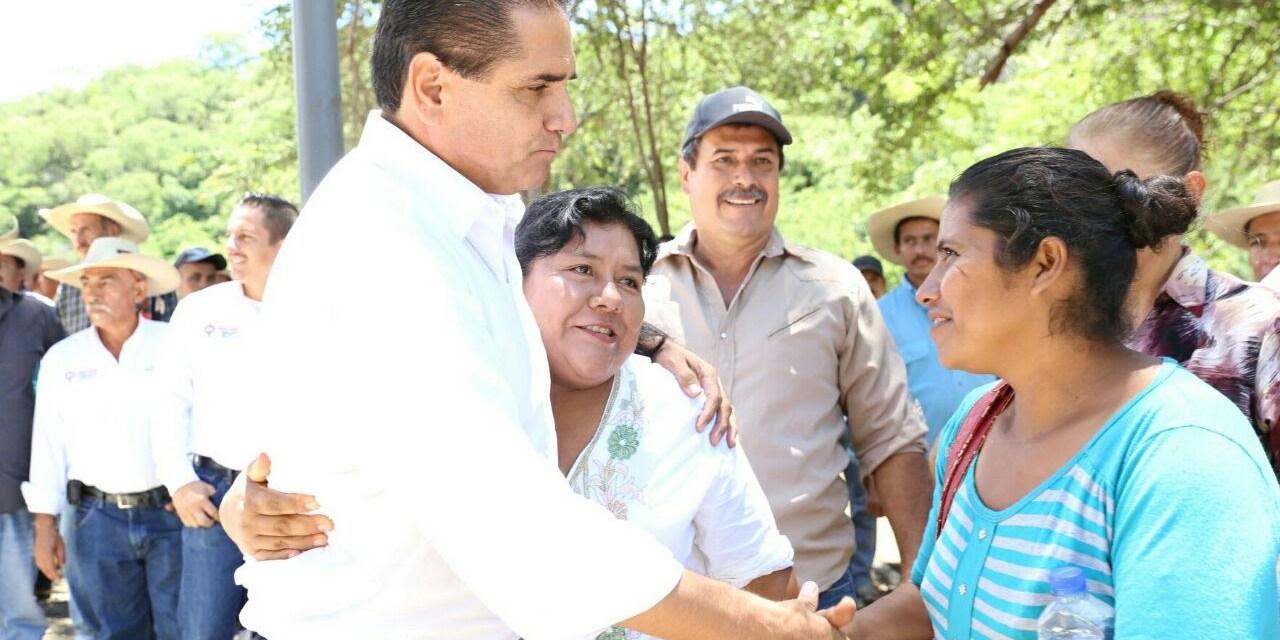 Más de 90 mdp en 65 obras y acciones en Carácuaro: Silvano Aureoles