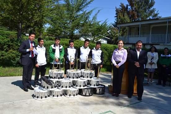 Conalep plantel Ciudad Hidalgo recibe donación de instrumentos musicales
