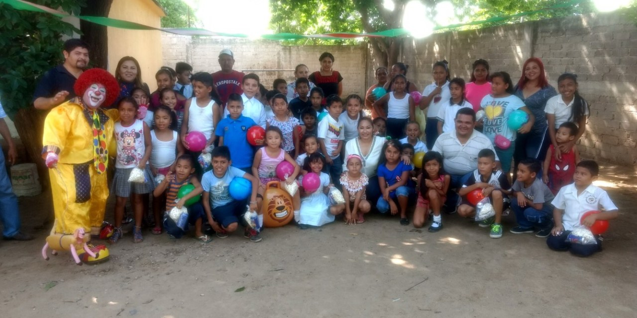 Presidenta del DIF convive con alumnos de Primaria Margarita Maza