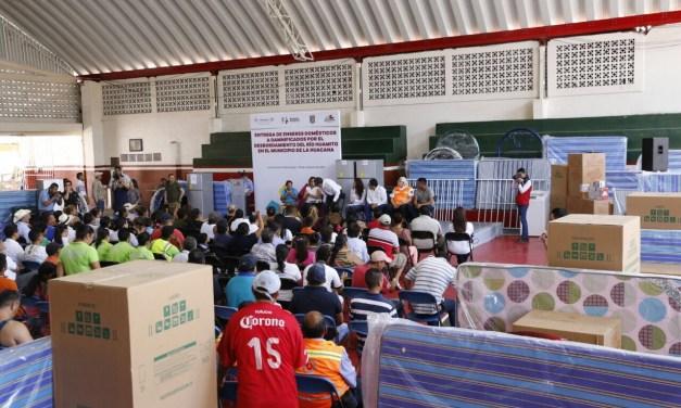 Entrega Gobierno del Estado apoyos a familias afectadas por desbordamiento en La Huacana