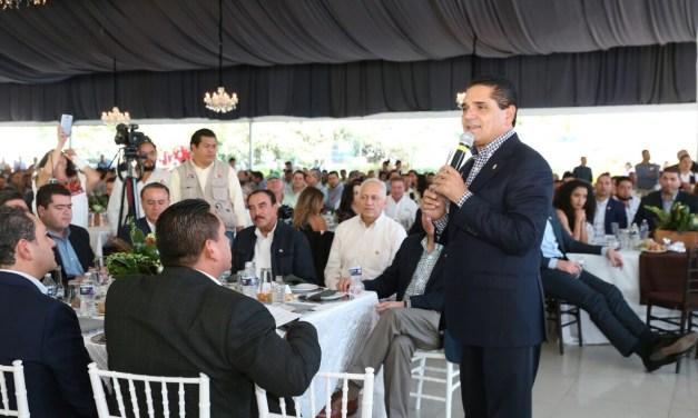 Gobiernos y sector productivo juntos para impulsar a Michoacán: Gobernador