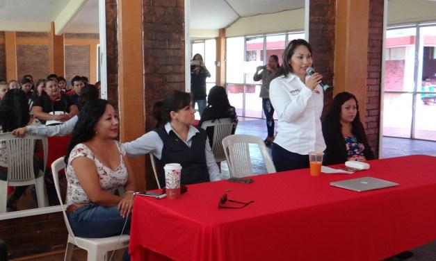 Taller del DIF contra violencia de género en LZC