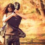 couple hug happy