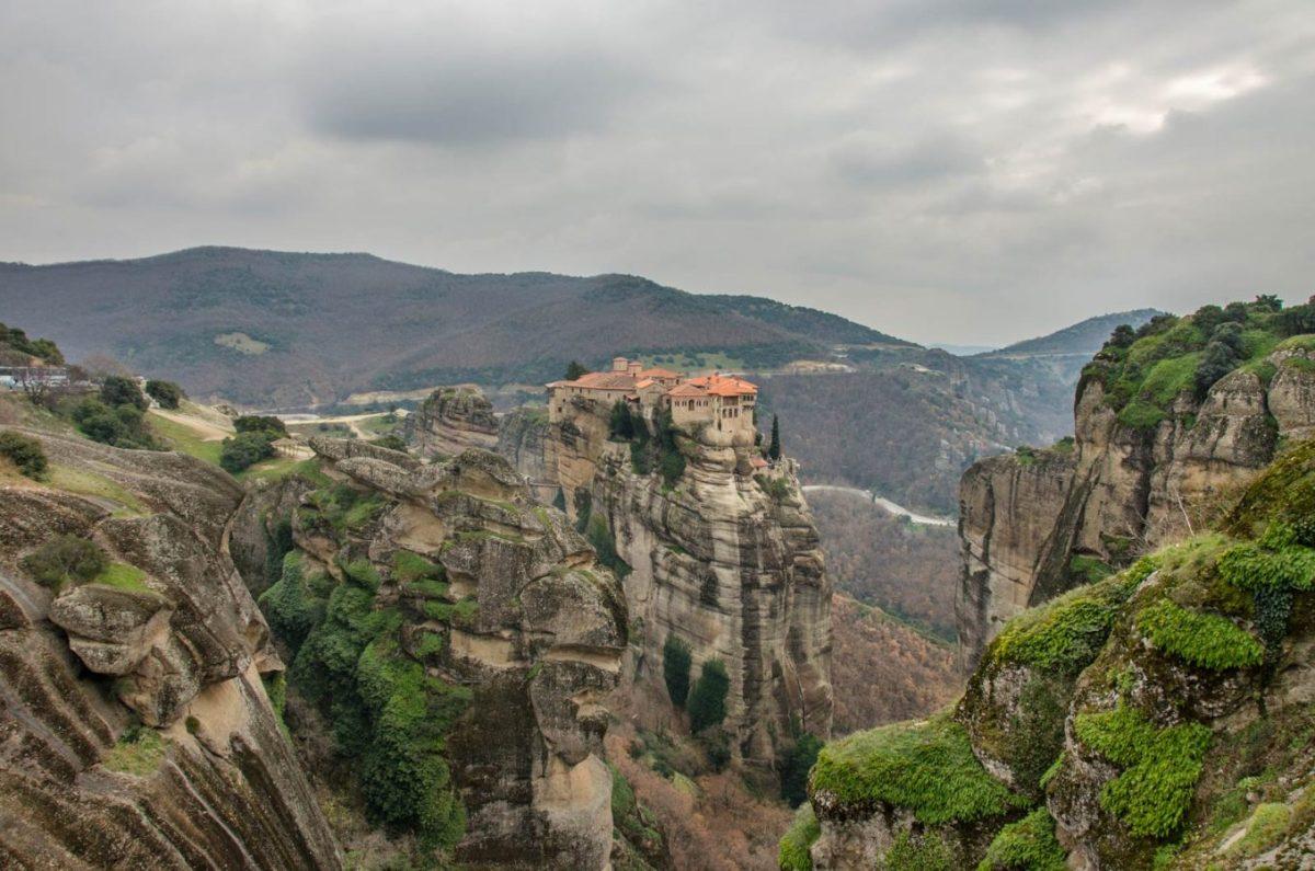 МЕТЕОРИ - Kомплекс манастири во Грција