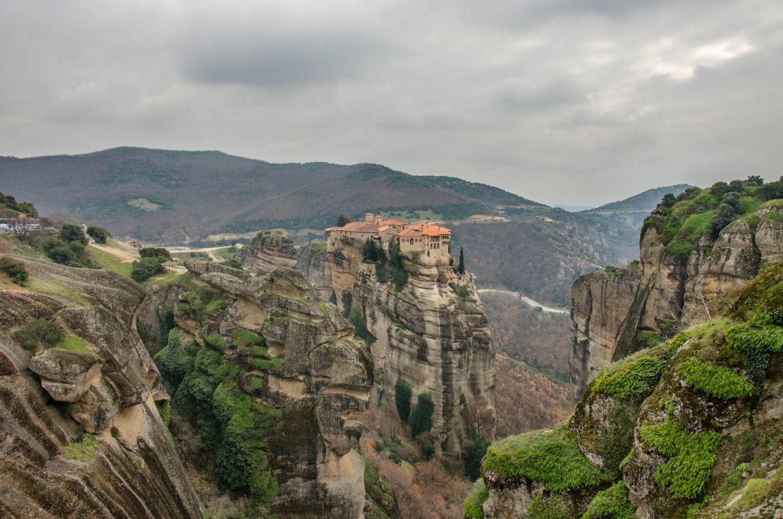 МЕТЕОРИ – Kомплекс манастири во Грција