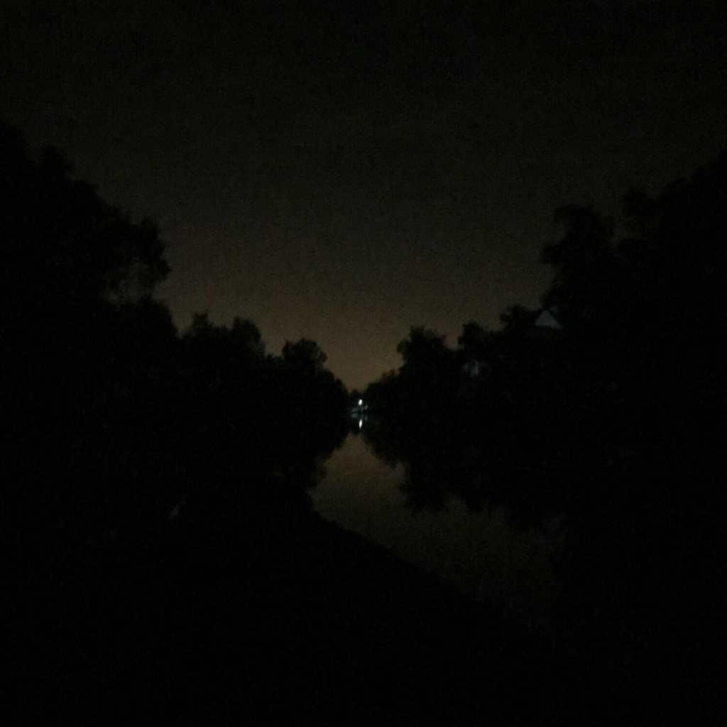 4 am light