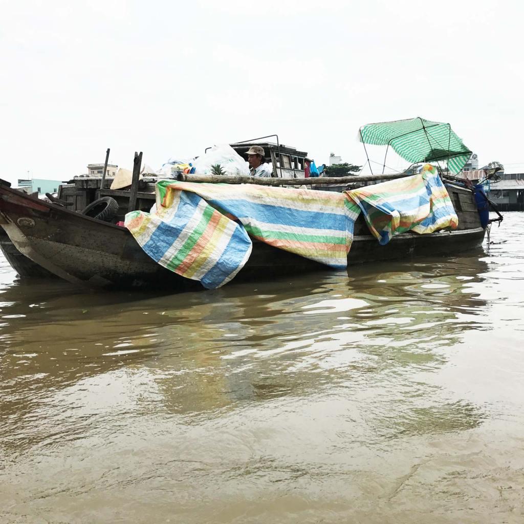 cai-rang-floating-market-3