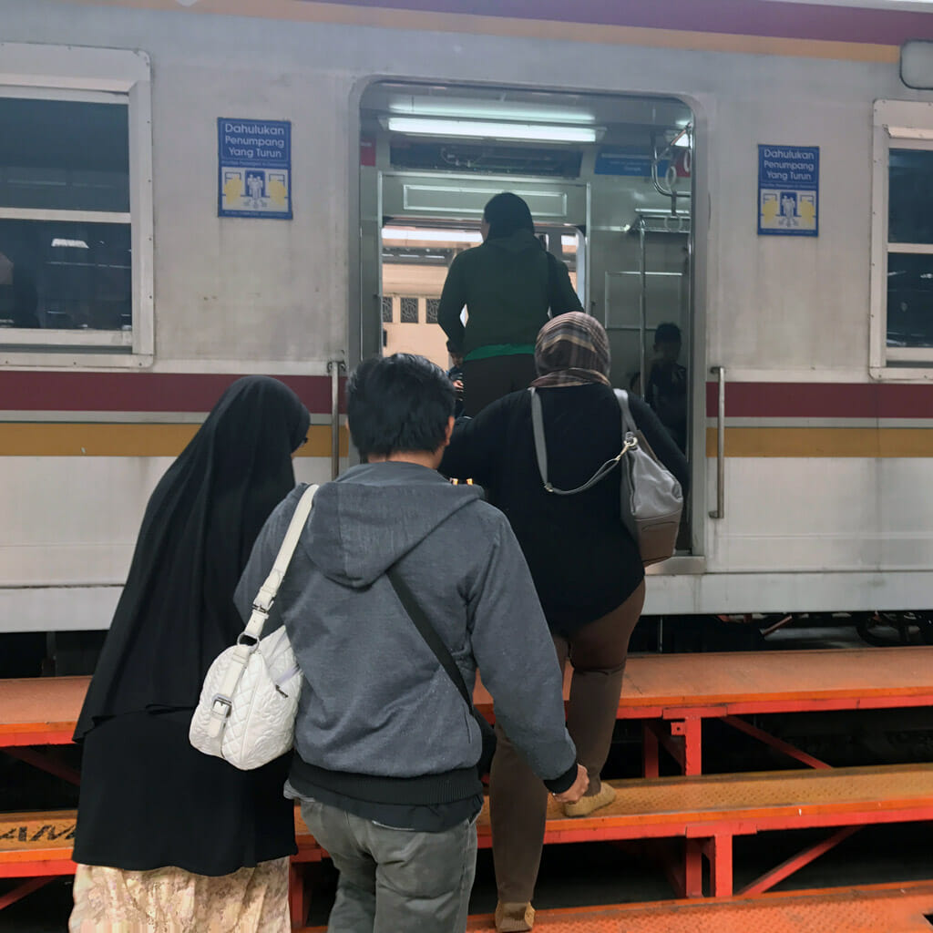 Jakarta-Station-Train-02