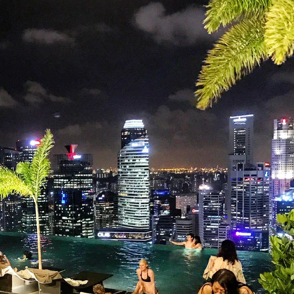 Singapore-Marina-Bay-Sand-Infitity-Pool-01