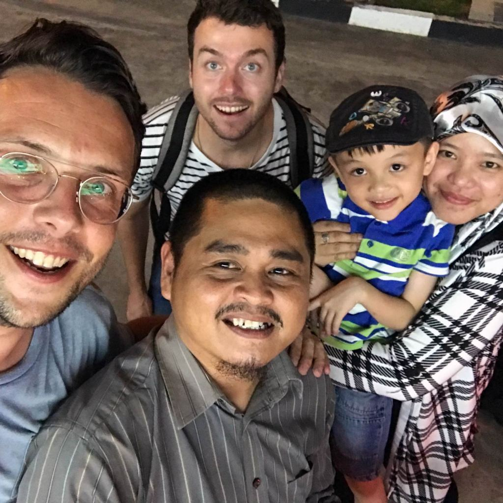 Brunei-Family-Taxi