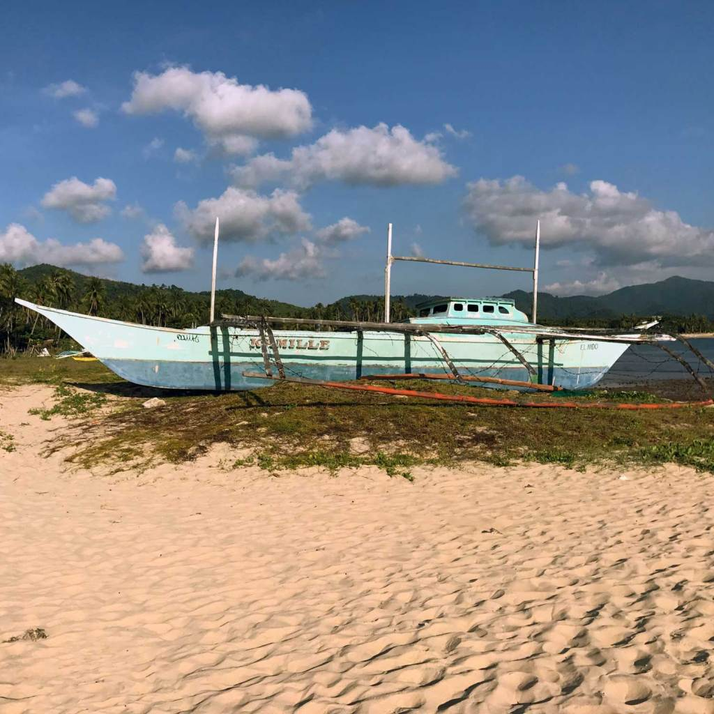 El-Nido-NacPan-Beach-Boat