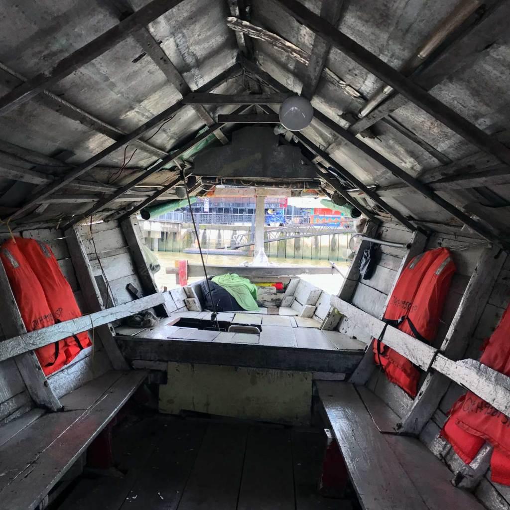 Kuching-Boat-To-The-Kampong-01