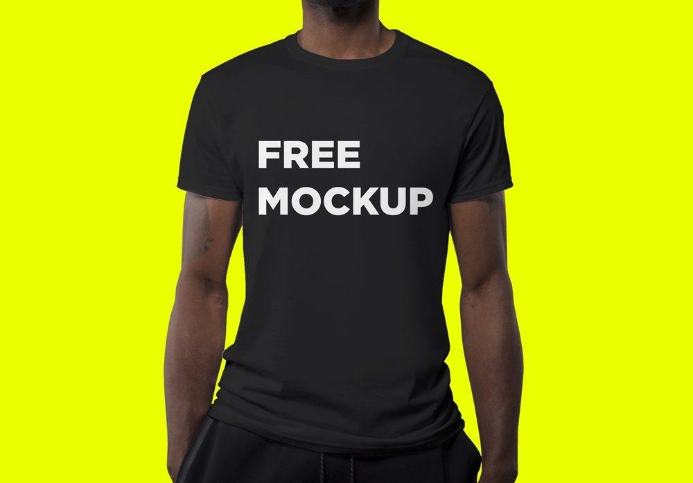 man wearing black t shirt mockup mockupworld