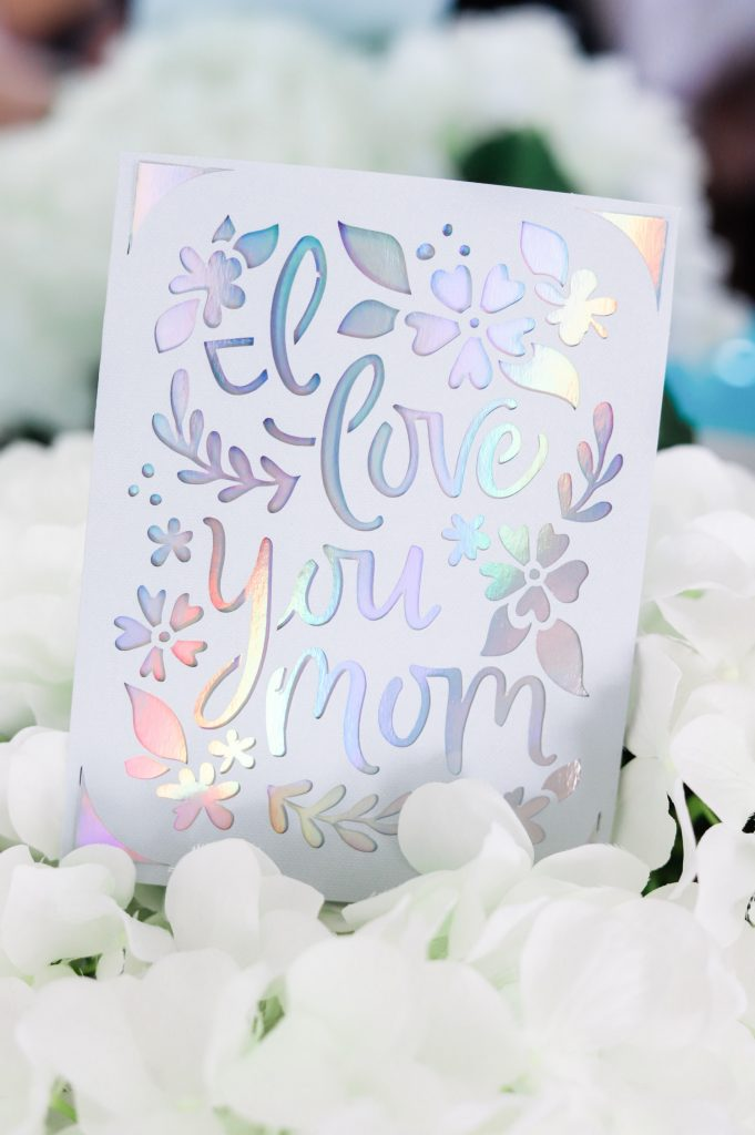 easy diy gifts for mom made with cricut joy and easypress2
