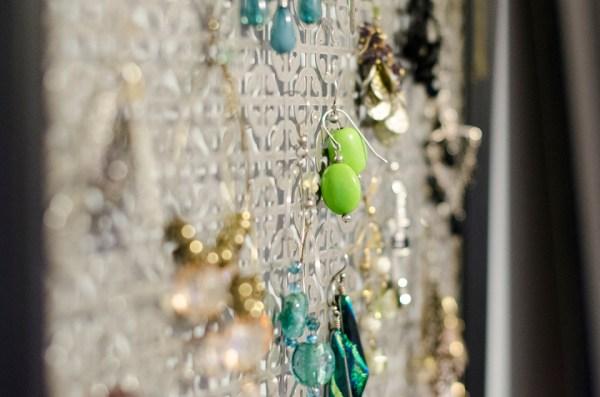 DIY Framed Earring Holder Tina Take My Photo (9)